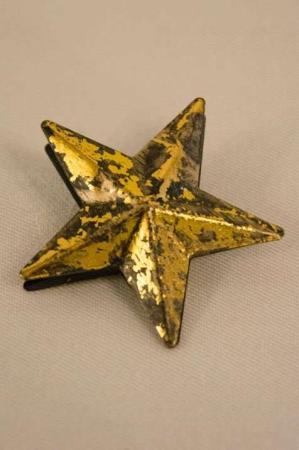 Guldstjerne med klemme. Gylden stjerne til juletræ. Stjerne i antiklook. Vintage stjerne.
