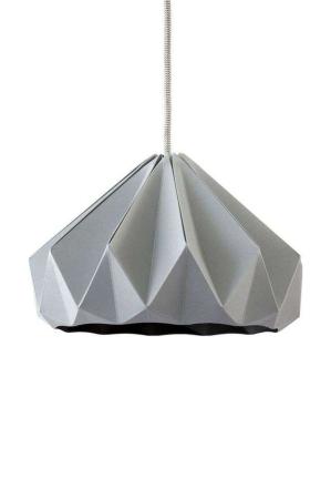 Snowpuppe grå chestnut papirlampe. Origamilampe. Grå papirlampe.