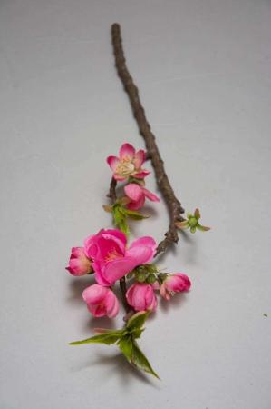 Kunstig æblegren med lyserøde blomster
