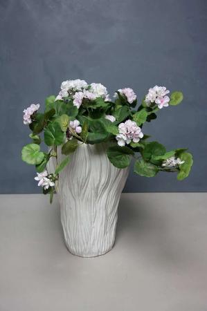 Hvid keramik gulvvase med blomster