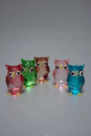 Glasfigur,-små ugler i rød,grøn, brun, lyserød,turkis