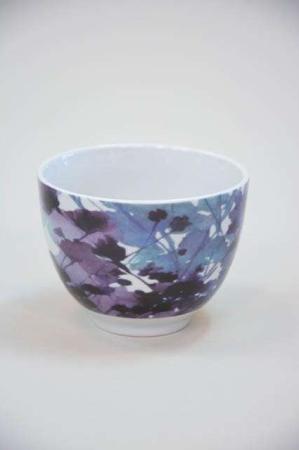 Morgenmadsskål - med lilla og blå blomster motiv
