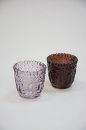 Små fyrfadsstager i farvet glas - lilla og brun