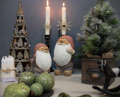 Inspiration til julepynt med nisser. Julenisser i keramik. Søde nisser til jule. Sjove julenisser i keramik.