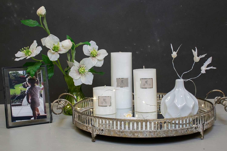 dekoration til hjemmet Hvid porcelæn vase   Neder Kjærsholm Hovedgaard dekoration til hjemmet