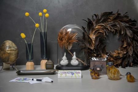 Bolig dekoration - glasklokke med påskepynt