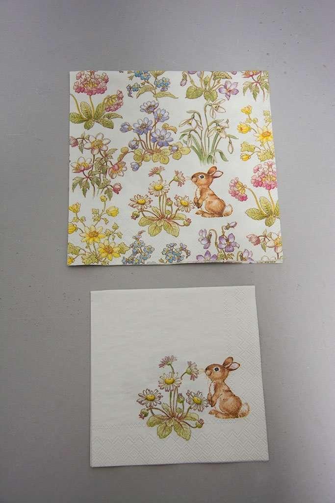 142c28097b8 Servietter med påskeharer og blomster - Neder Kjærsholm Hovedgaard