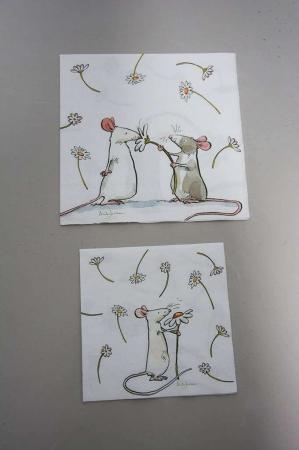 Servietter med mus og blomster