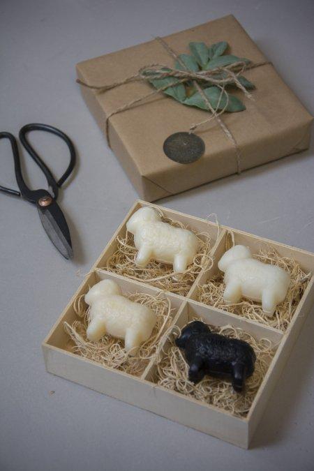 Værtindegave - fåremælksæbe med sort får