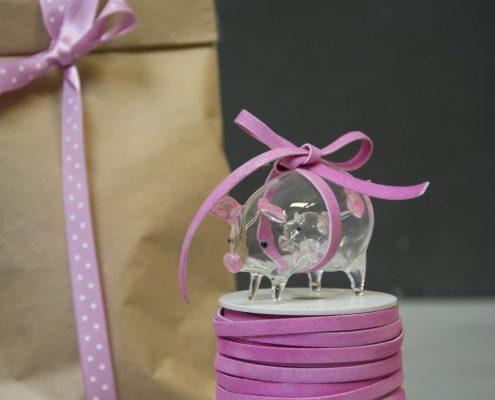Værtindegave - glasfigur - gris med baby i maven