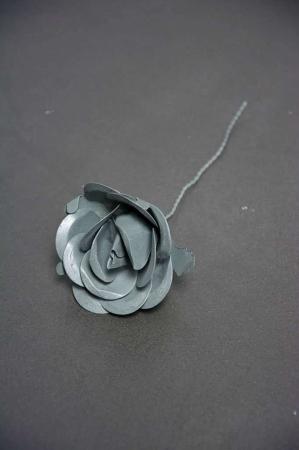 Dekorativ rose af jern