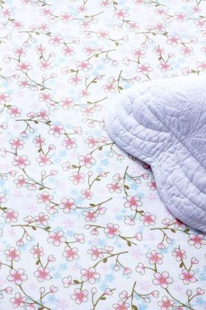 Kuvert lagen. Cherry blossom white fra Pip studio