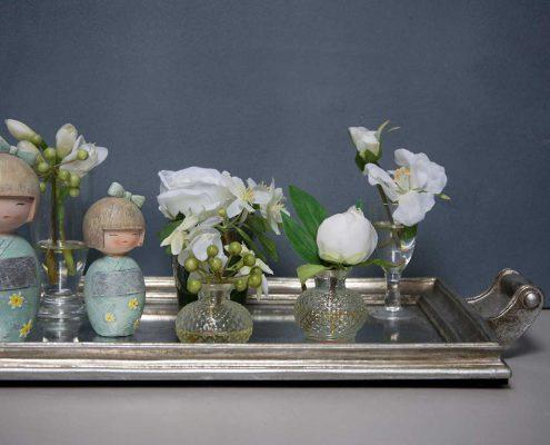Spejlbakke med vaser og japanske piger
