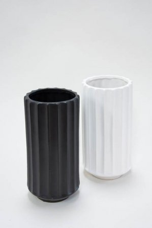 Stor gulvvase med riller - Gulvvase i keramik sort - Keramik gulvvase i hvid