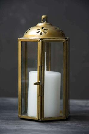 Lille messing lanterne der kan hænge