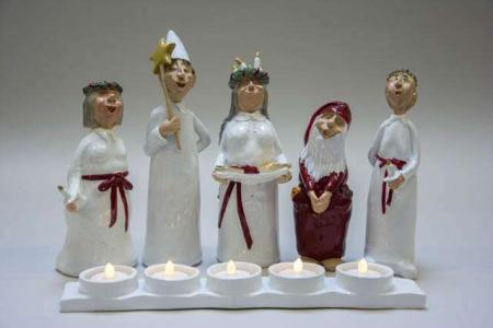 Harvesttime julestage - 5 lucia figurer med fyrfadsstage