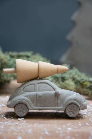 Julepynt 2017 - beton bil med træ på taget