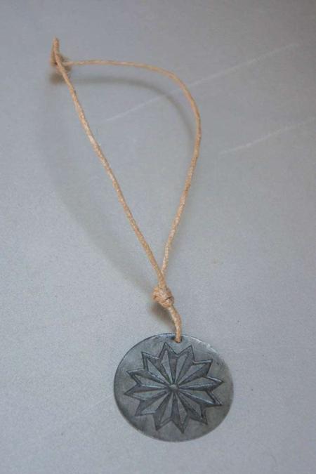 Amulet vedhæng med stjerne