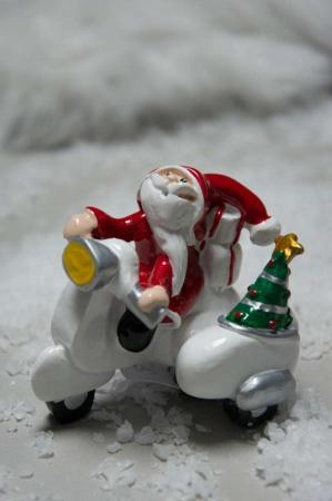 Julepynt - julemand på scooter