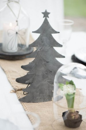 Metal juletræ fra Ib Laursen