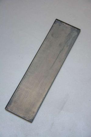 Aflang metal bakke med zink look