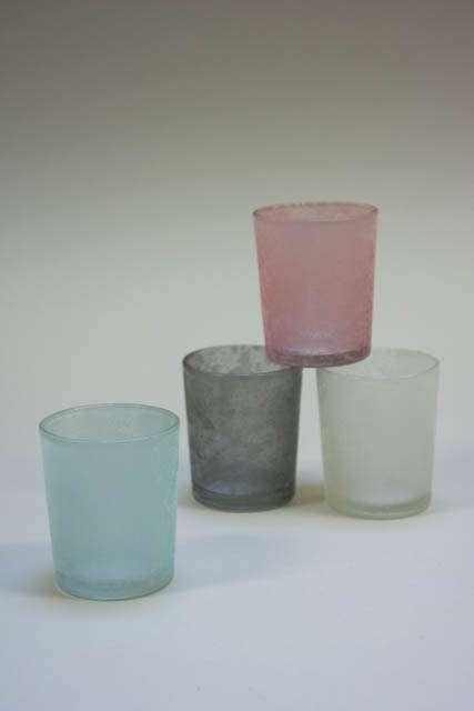Fyrfadsstager. Farvede glasstager. Fyrfad i farver.