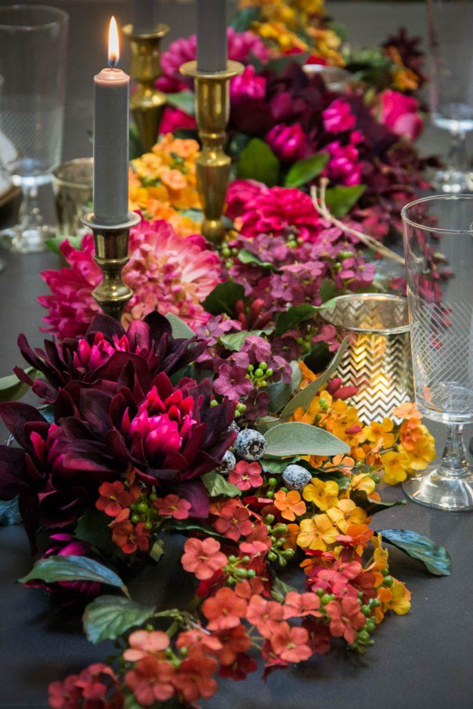 Julebord dekoration med blomster
