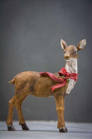 Julepynt - rådyr med rød julesløjfe