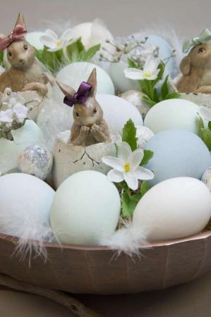 Påskepynt 2018 - påskedekoration med påskeæg og påskeharer