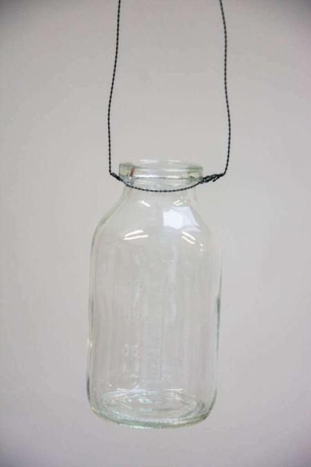 Flaske vase i wire ophæng