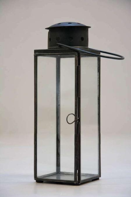 Lille sort lanterne til indendørs og udendørs brug