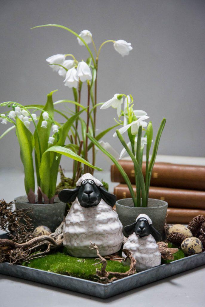 Påskedekoration 2018 - Påskelam og påskeliljer i potte