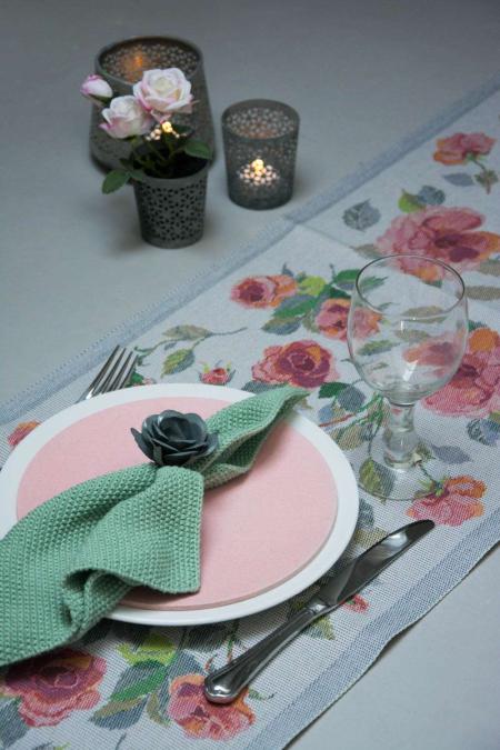 Ekelund bordløber af stof med motiv af roser - bordpynt