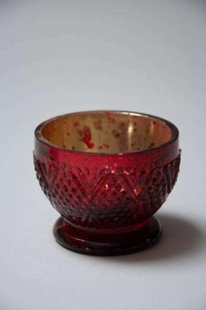 Fyrfadsstage på fod - antik rød