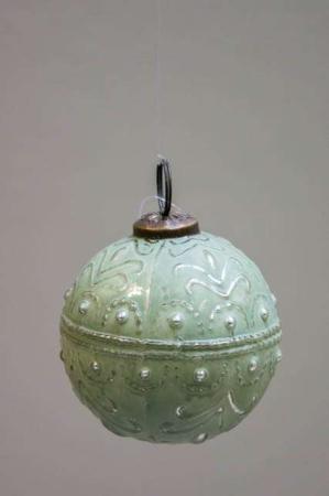Glas juletræskugle fra ib laursen med svungen mønster - grøn