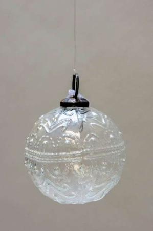 Glas juletræskugle fra ib laursen med svungen mønster - klar glas