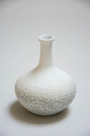 Lille lindform vase - hvid med nubre