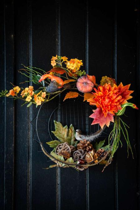 Efterårs dørkrans i kurv