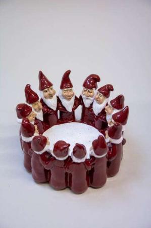 Harvesttime julestage med røde nissemæng i ring
