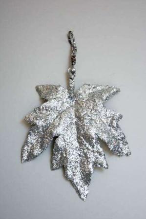 Juleophæng - ahorn blad med sølv pailetter