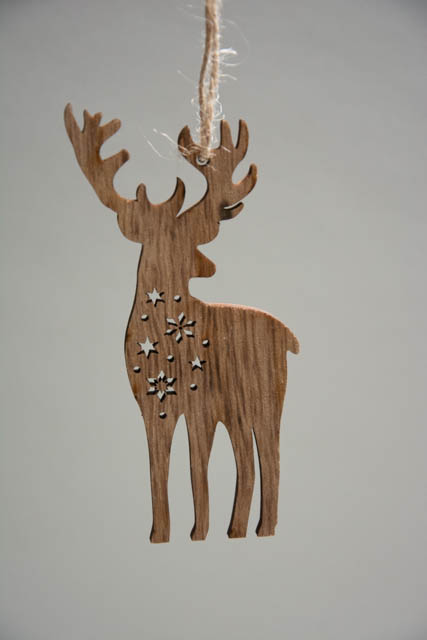Juletræspynt af træ - elg med stjerner