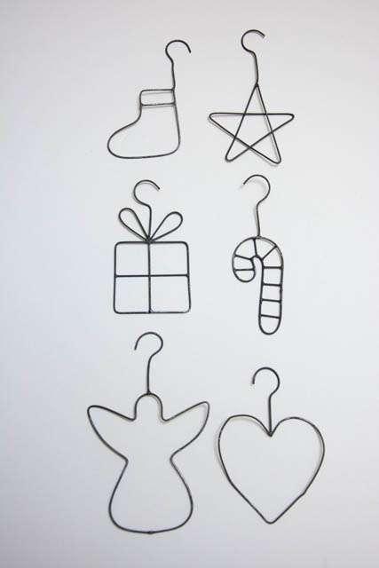 Små jule vedhæng af jern tråd