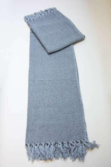 blå plaid med små frynser fra Ib laursen
