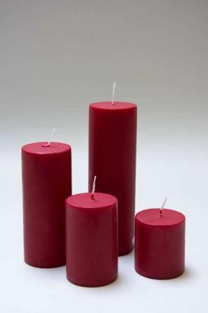røde bloklys i 4 størrelser til adventsdekorationen