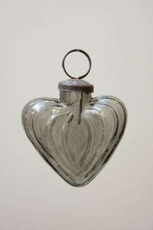 Glas julekugle fra Ib Laursen - røgfarvet hjerte