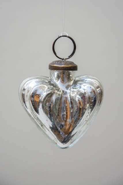 Glas julekugle fra Ib Laursen - sølvfarvet hjerte