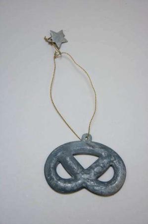 Juleophæng - kringle af zink i messing wire