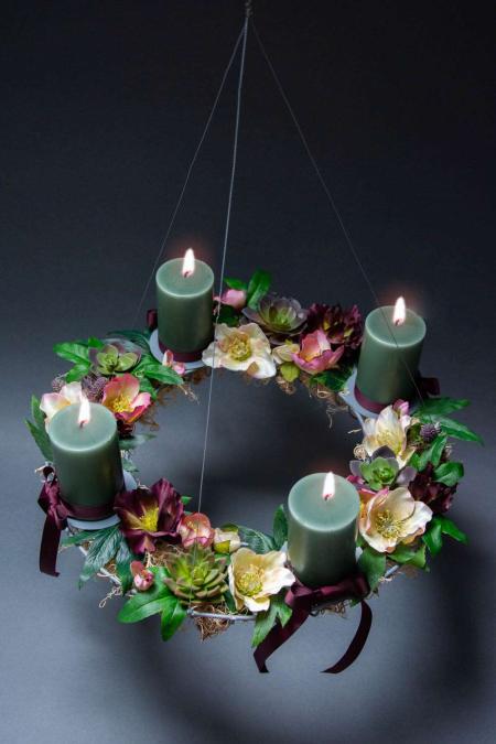 Find inspiration til din adventskrans 2018 - adventsdekoration med juleroser