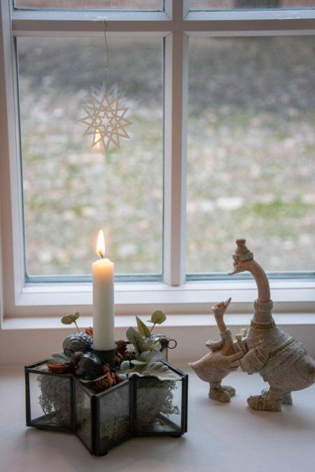 Juledekoration 2018 - Juledekoration i stjernestage med små julekugler fra ib laursen