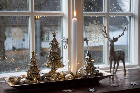Juledekoration 2018 - sølv juledekoration med lyskæde